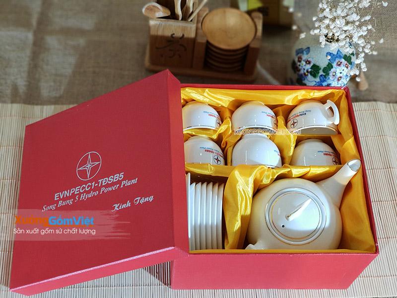 Bộ ấm chén và hộp xi quà tặng in logo