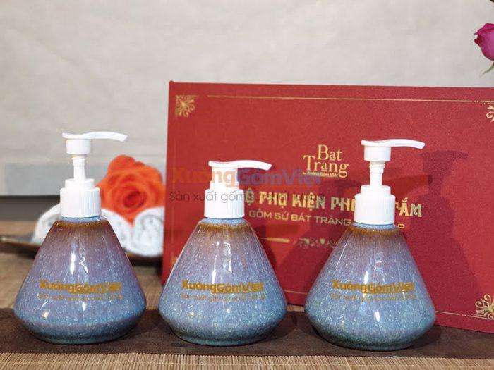 Bình sứ đựng sữa tắm khách sạn PKNT-59