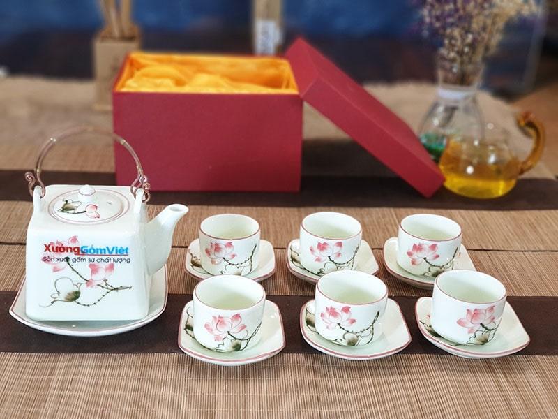 Bộ trà vuông vẽ sen AT-01