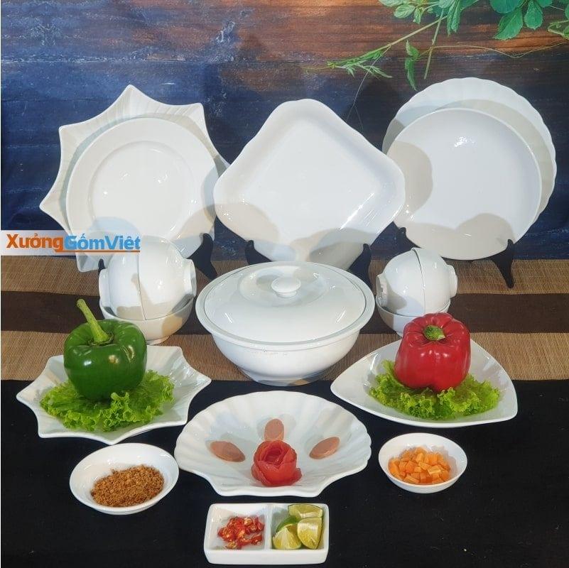 Bộ bát đĩa sứ trắng Bát Tràng tại Xưởng Gốm Việt