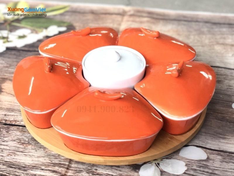 Khay mứt sứ màu cam của Bát Tràng